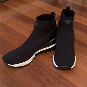 Michael Kors Skyler Sneaker Brand New Never Worn!